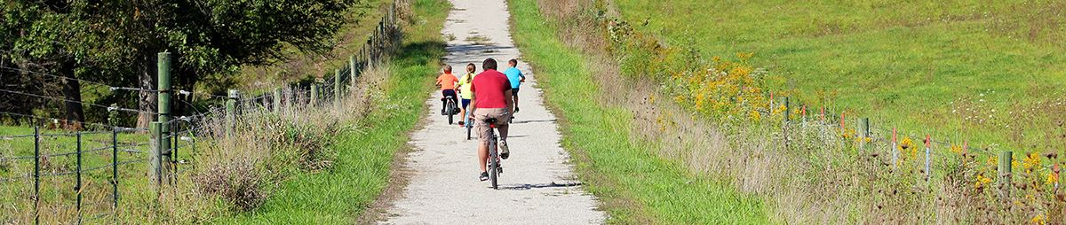 Family biking on FRT (2)