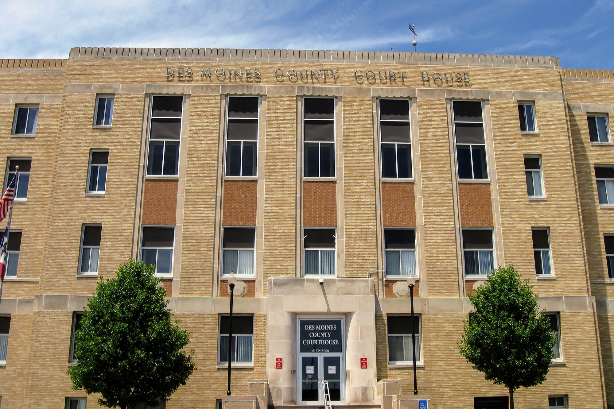 des_moines_county_courthouse